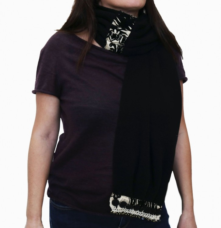 Black Woolen Scarf with Buttons