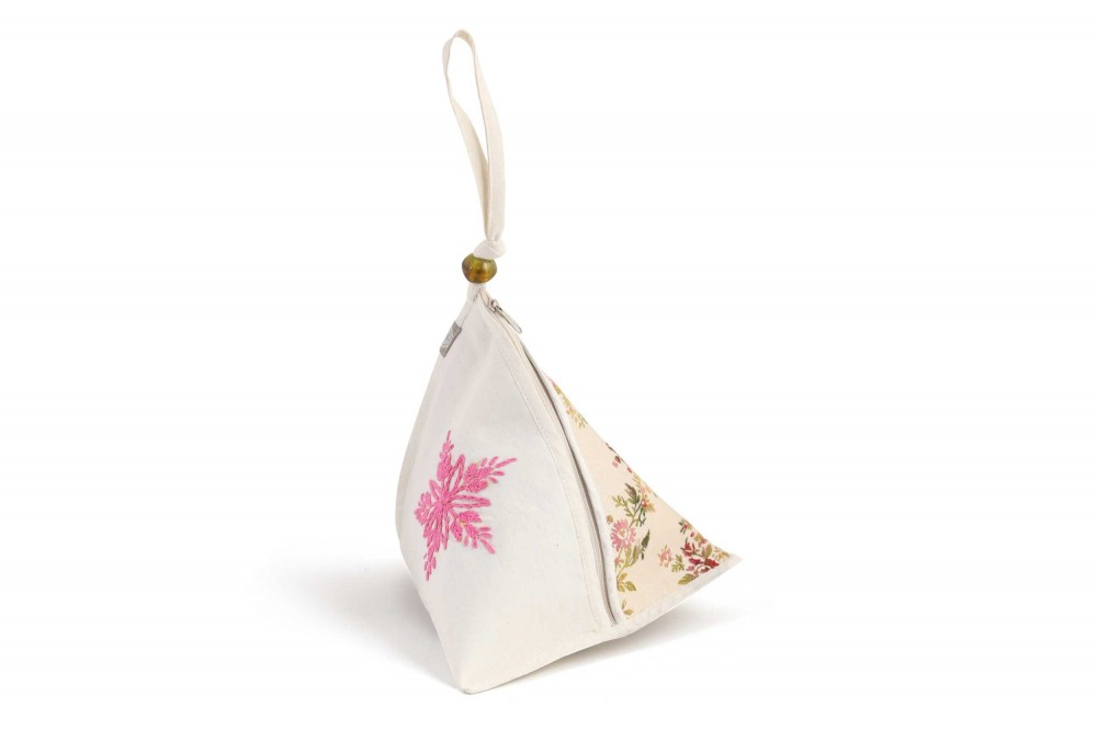 Pyramid Pouch with Various Fabrics
