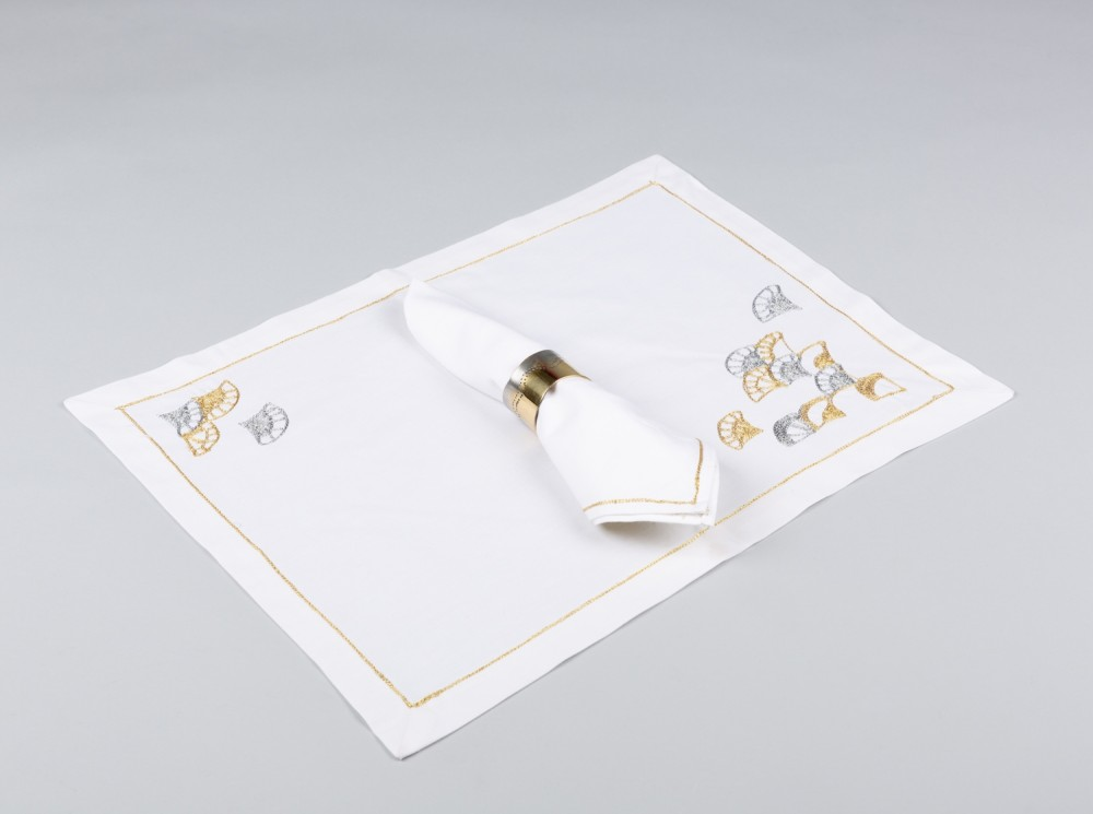 Ecume Placemats Set of Two with two Napkins