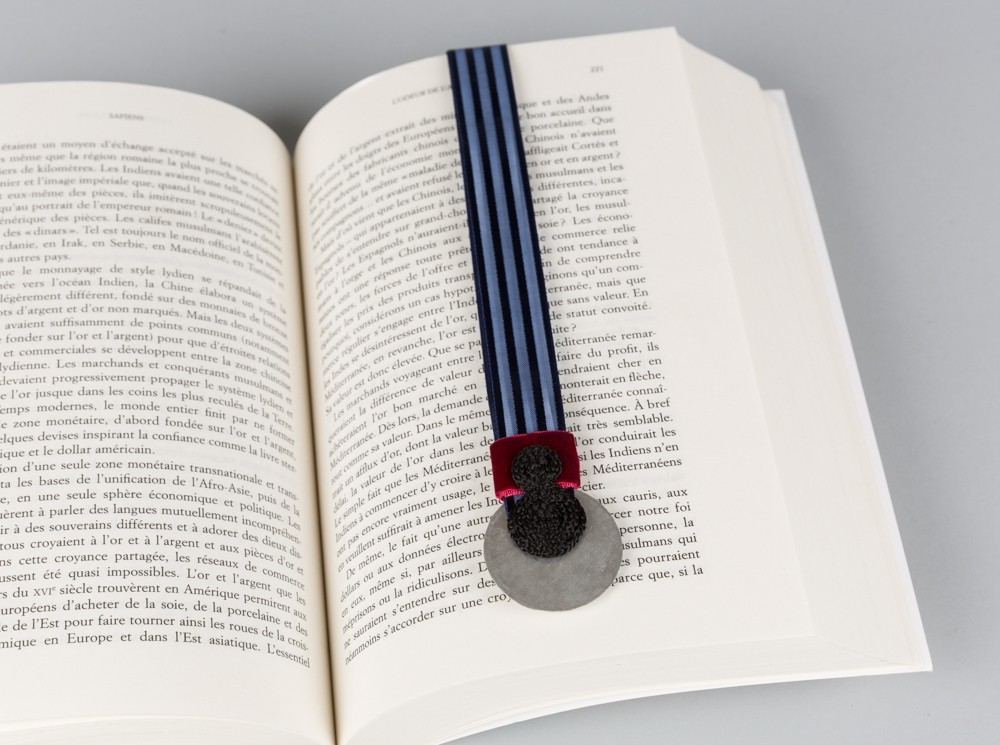 Ribbon Bookmark with Metal Detail