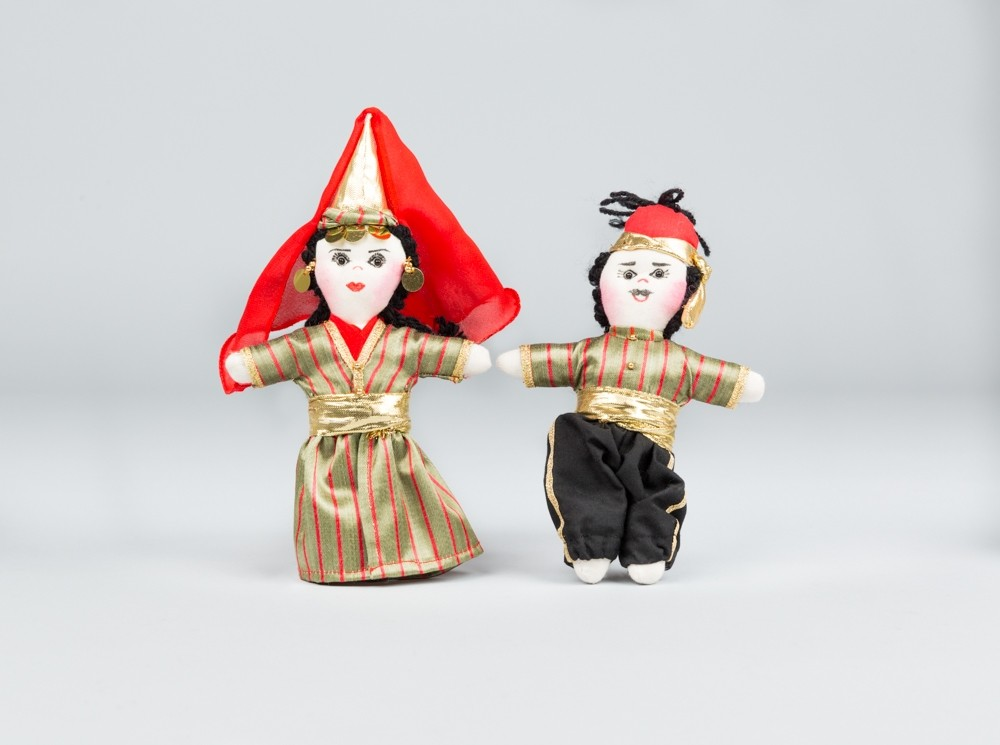 Medium Red Folkloric Dolls