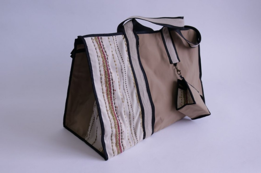 Plasticized Beach Bag with a small Pouch